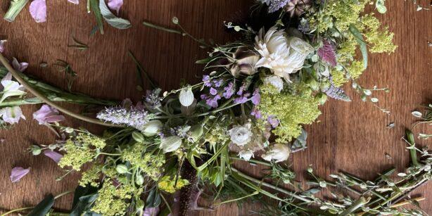 DIY: Blumenkranz binden leicht gemacht