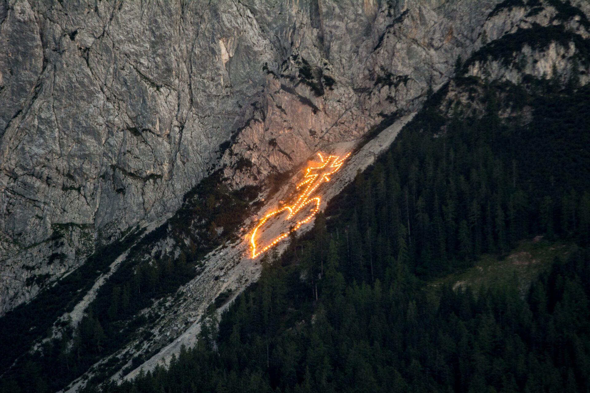 Bergfeuer in Tirol
